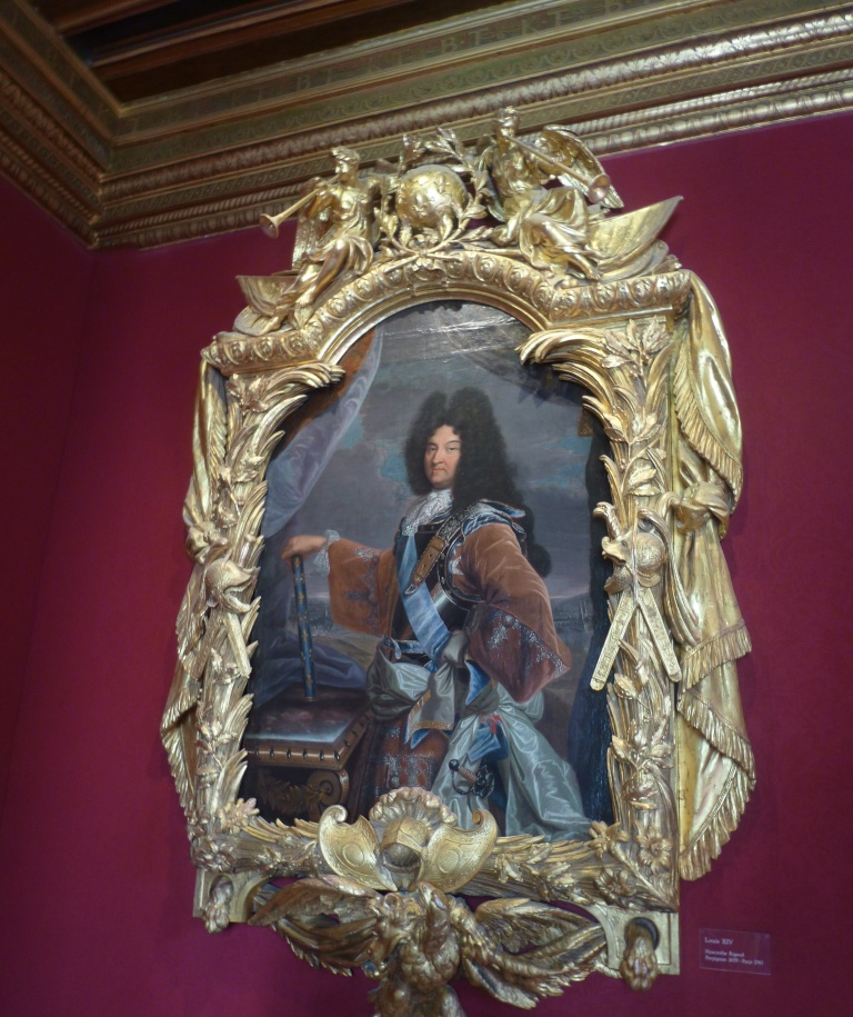 Table Louis XIV room Chenonceau