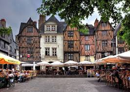 Tours - place Plumereau
