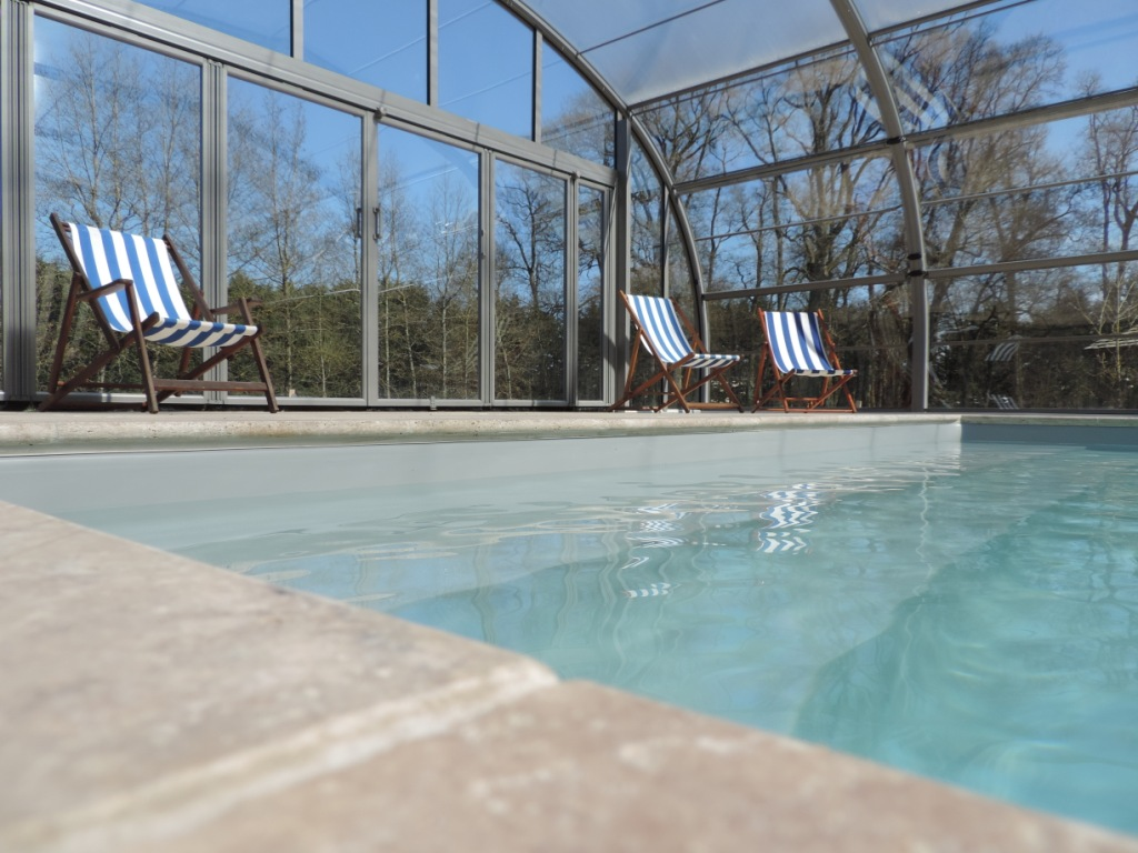 Cedar and Charm - Loire Valley - Indoor Heated Swimming pool with its deskchairs-200k